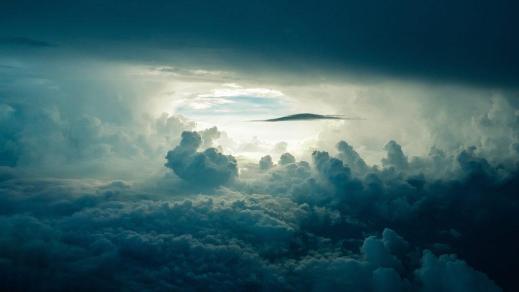 Cu ochii spre cer